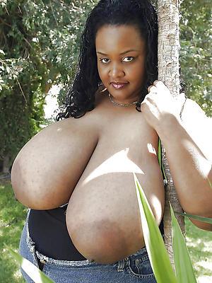 spectacular black grown up milfs nude pics