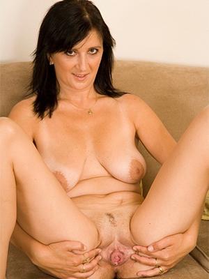 xxx free mature vulva nude pics