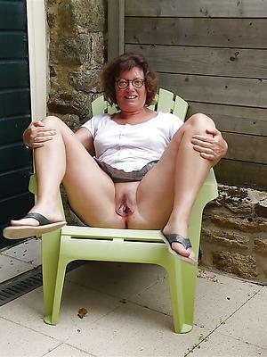 hotties mature vulva nude photo