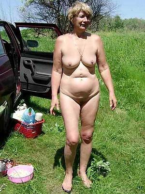 gorgeous mature wife naked photo