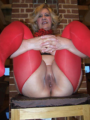 beautiful mature wife milf