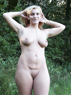 sexy outdoor adult pussy
