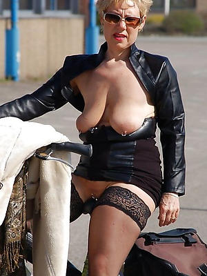 hot mature wifes stripped