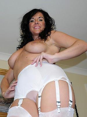 matured hot babes posing nude