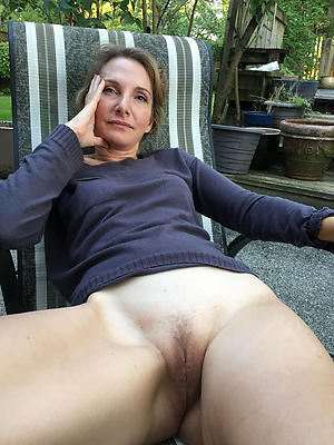 beautiful complete naked mature women porn photos