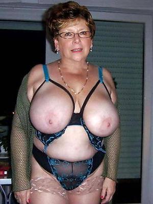 Old women naked photos