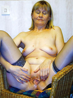 homemade granny mature pussy stripped
