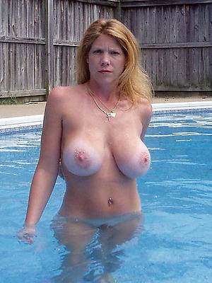 matured hot tits pictures
