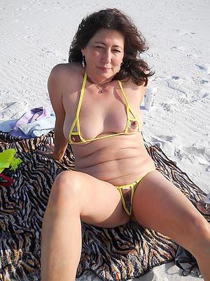 sexy mature bikini porn