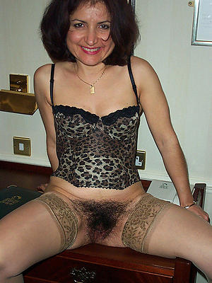 wonderful mature woman masturbation