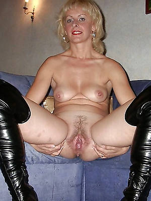 gorgeous mature pussy moms porn pics