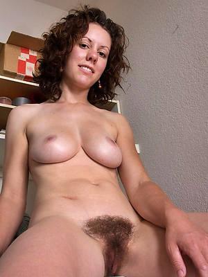 xxx of age amateur moms nude photos