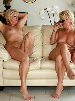 sexy mature lesbians kissing