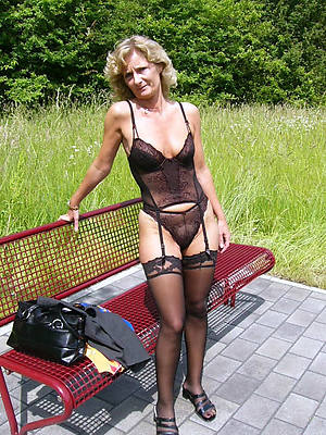 porn pics of sexy mature in nylons