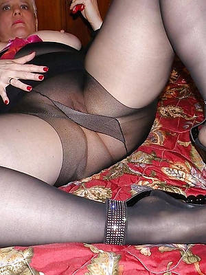 porn pics of mature woman in pantyhose