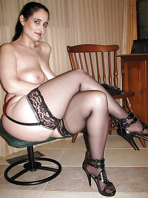 hotties mature nude trotters pictures