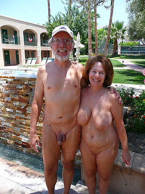 amateur grown up couples posing nude