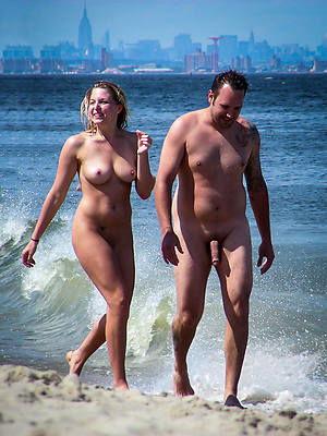unqualified mature nudist couples pics