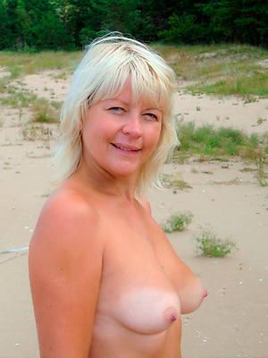 gorgeous mature women nude lakeshore