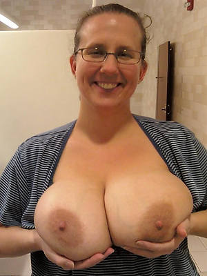 xxx free grown up son boobs