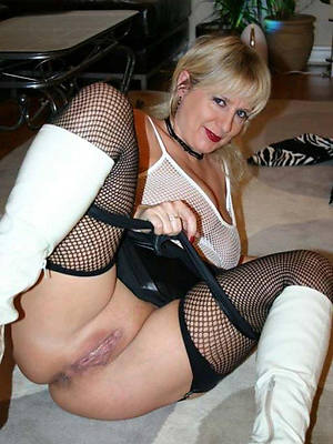 wonderful matures in nylons nude photos