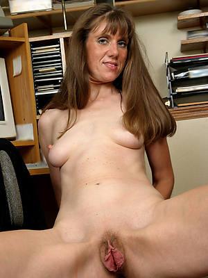 slutty matured women vagina nude pictures