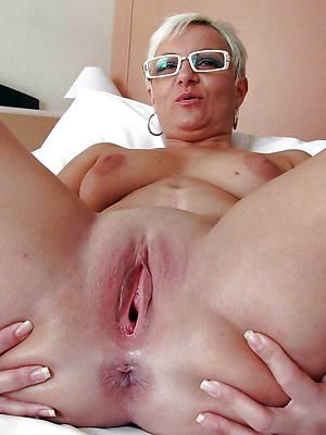 colored hair mature women vagina