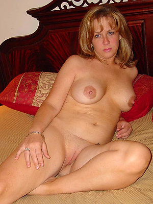 free pics be advantageous to mature old hat modern nude