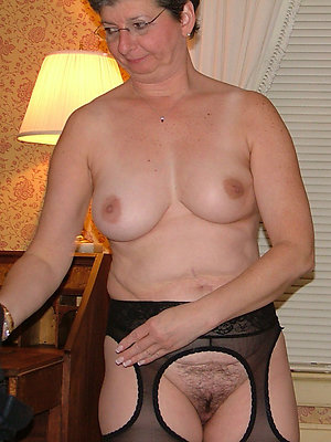 full-grown women upon glasses stripped nude