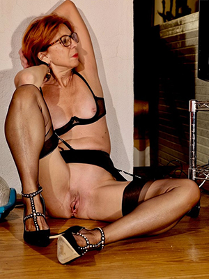 sexy hot mature redhead pussy