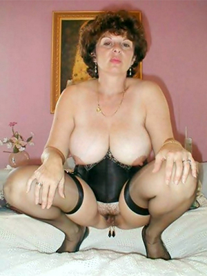hotties classic mature porn markswoman