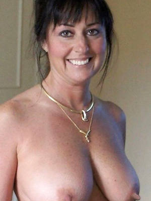 sexy hot beautiful mature milfs