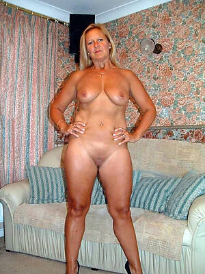 slutty hot mature housewives pictures