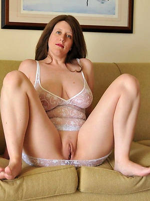 porn pics of horny mature housewives