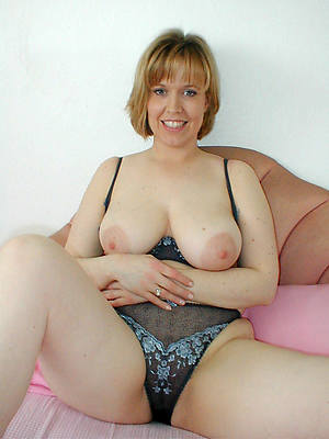 beautiful single mature squirearchy porn pictures