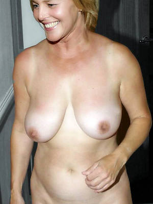 gorgeous nude mature moms