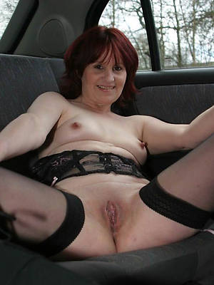 gorgeous shaved mature pussy pics