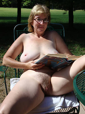 mature pussy over 60 hatless