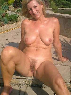 natural mature women