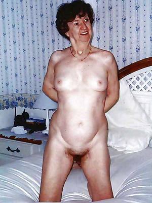 mature women small titsporn pic download
