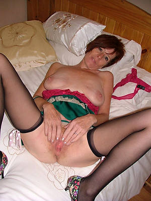 hot mature pussy stripped