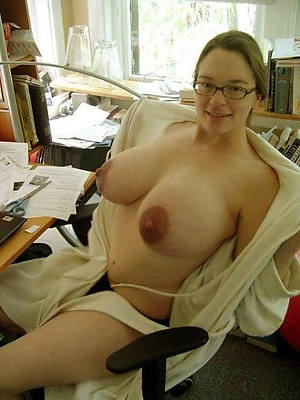 beautiful adult with glasses homemade porn pics