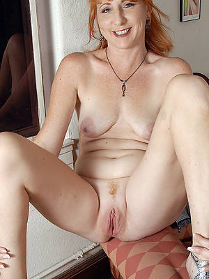 unconforming pics of denude redhead women