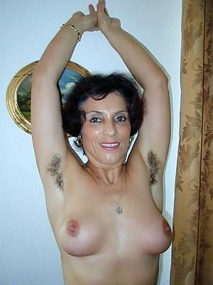 mature hairy cunt penetration pics