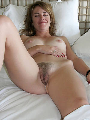 beauties mature hairy pussy pictures