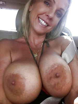 beautiful nude adult take a selfie