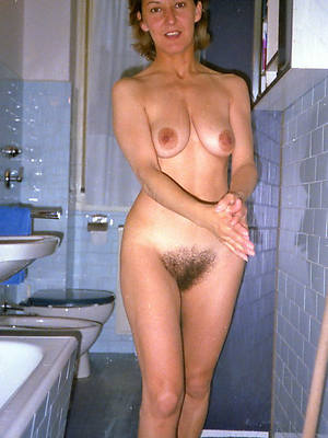 wonderful unshaved mature women unconcealed pictures