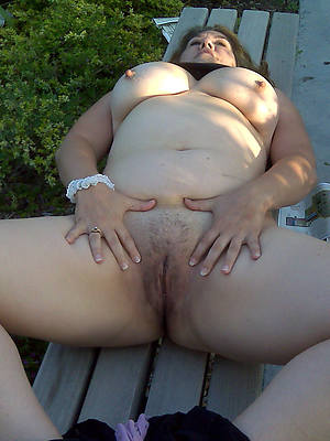 chubby mature pussy pictures