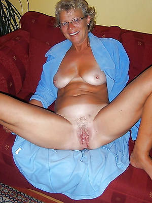 magnificent mature grandma pussy nude photos