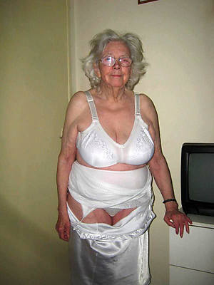 hot off colour grandma dirty sex pics